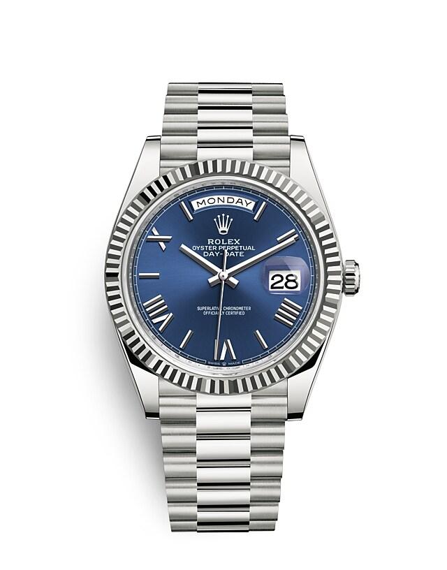 นาฬิกา Rolex Day-Date 40 มม., ทองคำขาว หน้าปัดสีน้ำเงินสว่าง ขอบหน้าปัดแบบเซาะร่อง